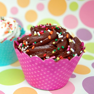 baby-dot-cupcake-wrappers-500