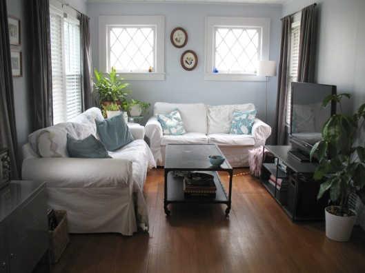 Home Sweet Home: Living Room Redesign