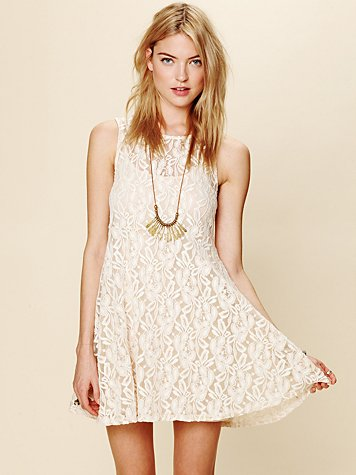 White Summer - Sleeveless Miles of Lace Dress
