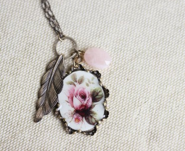 Shop of the Month: Ruche - Garden View Indie Pendant Necklace