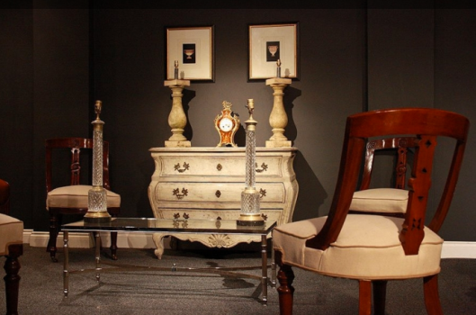 How to Buy Antique Furniture and Other Collectables
