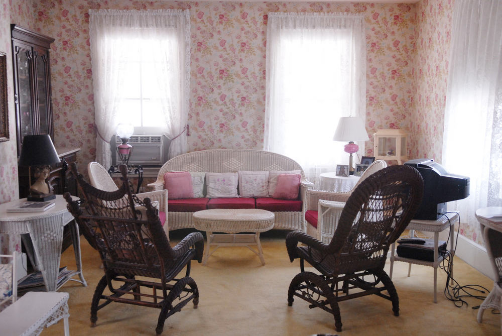Decorating Your Home In A Vintage Modern Style