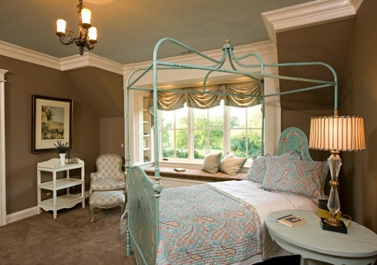 How to Design a Gorgeous Guest Room